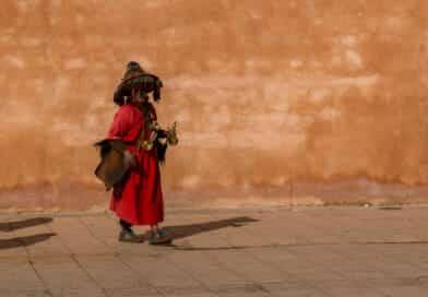 Waterverkoper in Rabat, uit het fotoalbum Marokko op https://www.edvervanzijnbed.nl