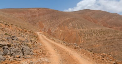 The road through the Dadès Gorge could be classified under The worlds most dangerous roads. www.edvervanzijnbed.nl/en